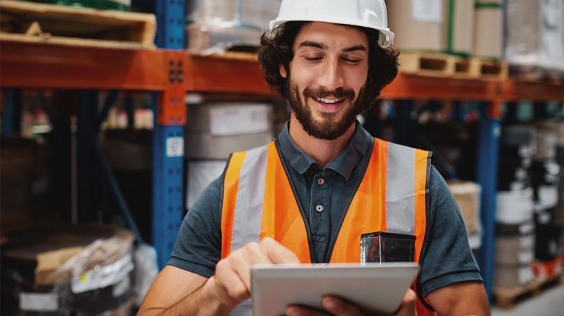 How Can KREDO Help You Enhance Your Frontline Employee Training